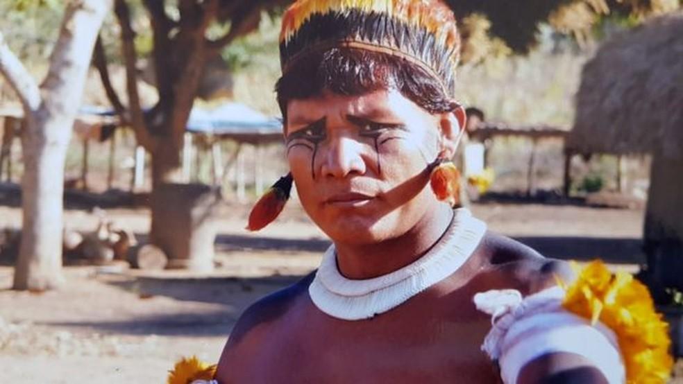 Tapi Yawalapiti vai defender um mestrado sobre sua língua materna na Universidade de Brasília — Foto: TAPÍ YAWALAPITI via BBC